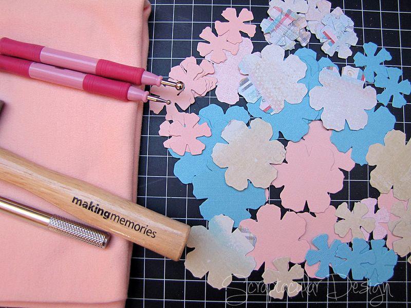 Bloemen maken- Tattered Pine Cone Die Roosjes  Stap 1