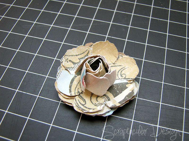 Bloemen maken- Tattered Pine Cone Die Roosjes  Stap 7